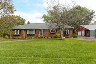 201 Town Line Rd, Alden, NY 14004