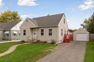 1016 8th Ave NW, Rochester, MN 55901