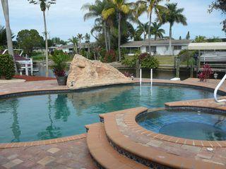 5257 Stratford Ct, Cape Coral, FL 33904