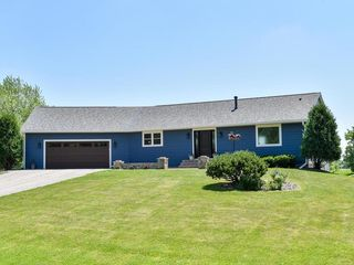 19615 Country Rd E, Rogers, MN 55374