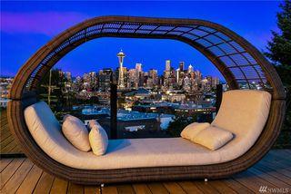511 W Kinnear Pl, Seattle, WA 98119