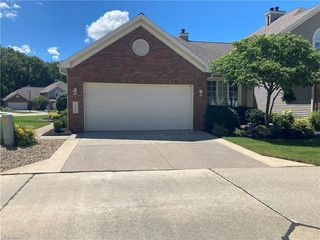 261 English Lakes Blvd, Amherst, OH 44001