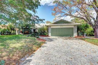 8251 NW 1st St, Coral Springs, FL 33071