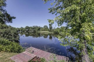 117 Riverview Dr, Waterford, WI 53185