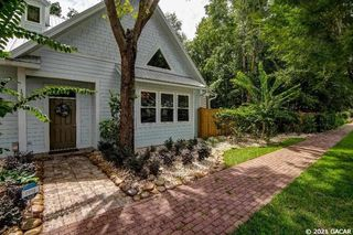 1221 NW 50th Ter, Gainesville, FL 32605