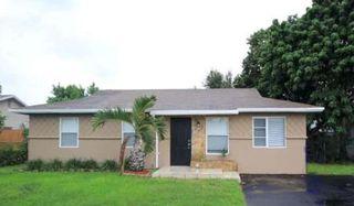 8200 SW 7th St, North Lauderdale, FL 33068
