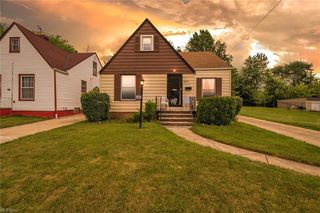 4457 Glenview Rd, Warrensville Heights, OH 44128