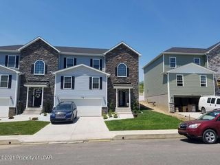 32 Maria Dr, Wilkes Barre, PA 18706
