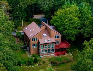 12 Biscuit Hill Rd, Foster, RI 02825