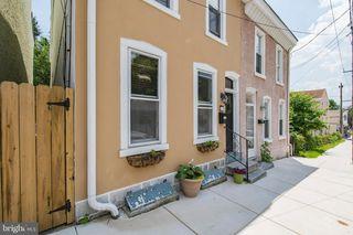 453 Krams Ave, Philadelphia, PA 19128