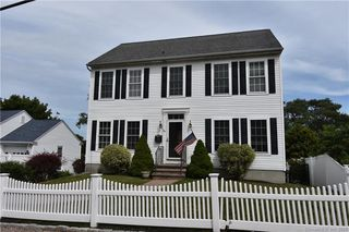 24 May Flower Ave, Pawcatuck, CT 06379