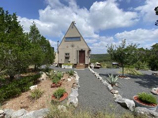 4409 Spring Country Ranch Rd, Leakey, TX 78873