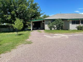 825 Giles Ln, Socorro, NM 87801