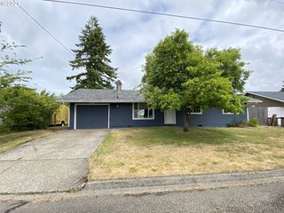 2365 19th St, Florence, OR 97439
