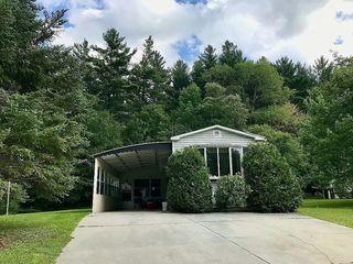 37 Country Rd, Hinsdale, MA 01235