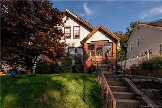 1037 Townsend Ave, New Haven, CT 06512