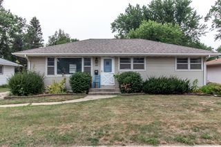2213 Elton Hills Dr NW, Rochester, MN 55901