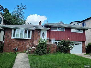 2457 Camner St, Fort Lee, NJ 07024
