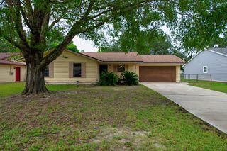 620 W Pine St, Mary Esther, FL 32569