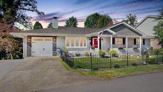 33 Oakwood Rd, Huntington, WV 25701