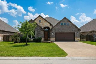 3545 Foxcroft Path, Bryan, TX 77808
