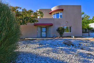 1207 Ridgecrest Dr SE, Albuquerque, NM 87108
