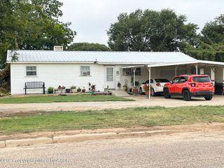 300 Western Cir, Dimmitt, TX 79027