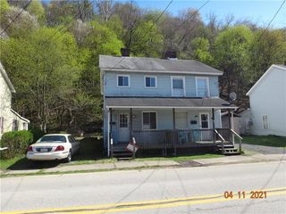 318 5th Ave, Ford City, PA 16226
