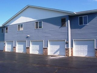 307 Meadowview Ct, Waterford, WI 53185