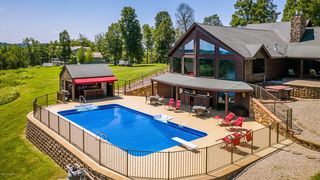 863 Cave Heights Ln, Falls Of Rough, KY 40119