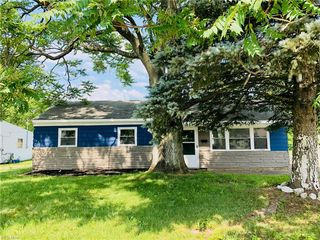 2413 Midway Ave NE, Canton, OH 44705
