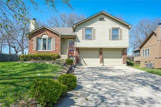 2016 SW Sterling Dr, Lees Summit, MO 64081