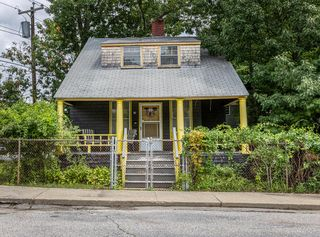 10 Myrtle Ave, Old Orchard Beach, ME 04064