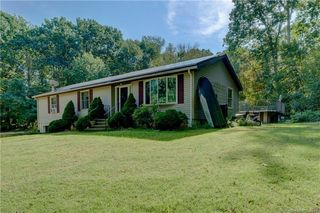 92 Spring Hill Rd, Storrs Mansfield, CT 06268