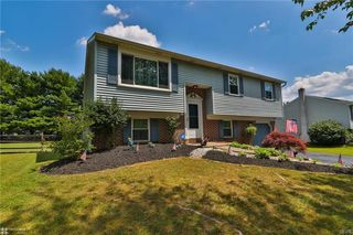 1822 Piccadilly Cir, Allentown, PA 18103