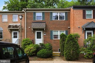6717 Perry Penney Dr #267, Annandale, VA 22003
