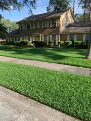 5466 Pearwood Dr, Jacksonville, FL 32277