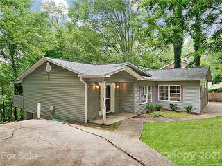 410 Scarlet Oaks Dr, Etowah, NC 28729