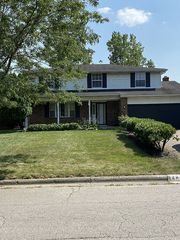 2695 Kenview Rd S, Columbus, OH 43209