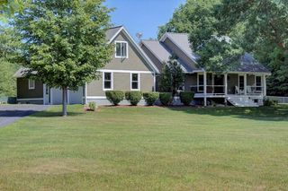 194 S End Rd, North Hero, VT 05474