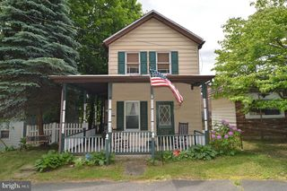 169 Pottsville St, Cressona, PA 17929
