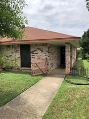 1217 Rogers Pl, Irving, TX 75060