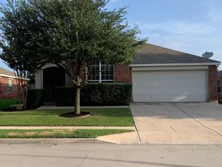 6233 Chalk Hollow Dr, Fort Worth, TX 76179