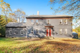 42 College Rd, Wolfeboro, NH 03894