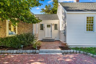 109 Old Post Rd, Kittery, ME 03904