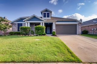 2006 Enchanted Rock Dr, Forney, TX 75126