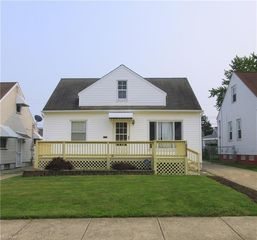 15912 Edgewood Ave, Maple Heights, OH 44137