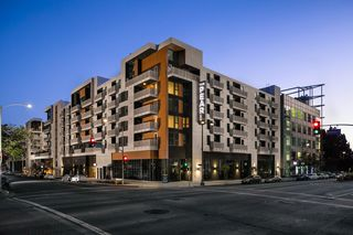 687 S Hobart Blvd, Los Angeles, CA 90005