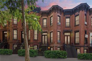 384 5th St, Brooklyn, NY 11215