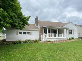 198 Struthers Liberty Rd, Campbell, OH 44405